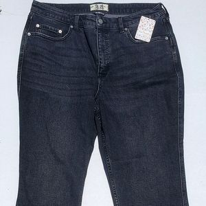 WE THE FREE BLACK FADED NO HEM JEANS NWT